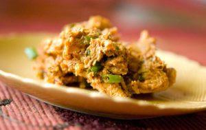 Салат из курицы с орехами