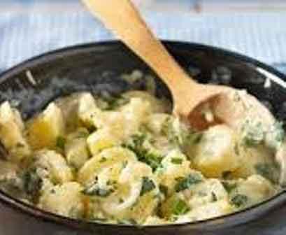 Картофельный салат с чесноком