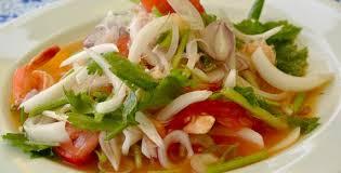 Тайский салат из морепродуктов