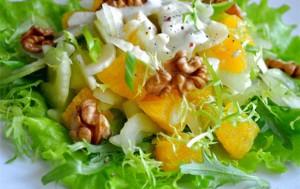 Салат из апельсинов, помидоров и сельдерея