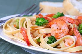 Морской салат со спагетти