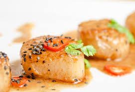 Морские гребешки с петрушкой
