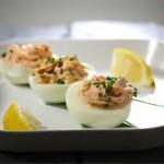 Фаршированные жареные яйца