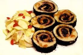 Рулет из картофеля со сливовым повидлом