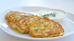 Пышные лепешки с сыром и черемшой