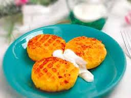 Сырники с морковью и апельсиновым соусом