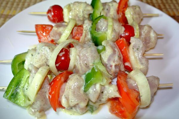 Куриные шашлыки с овощами