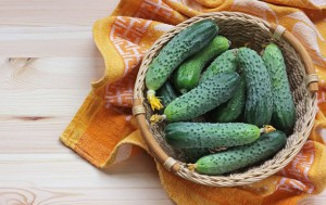 Свежие овощи с собственного подоконника