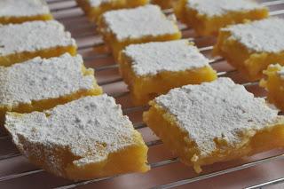 Lemon bars/ Лимонные пирожные.