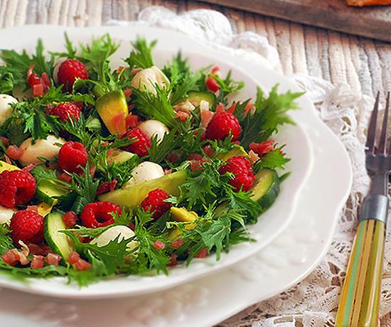Салат с малиновым винегретом