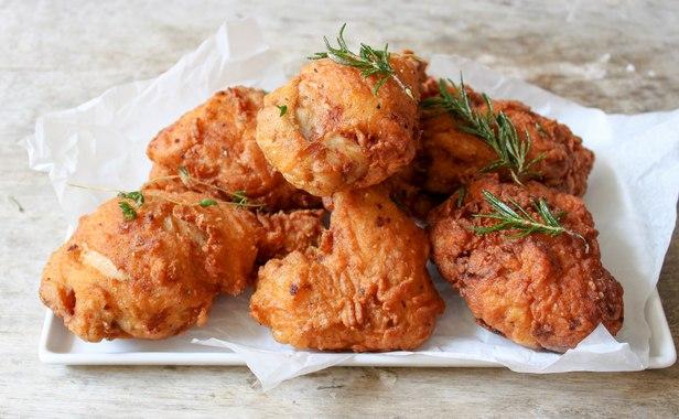 Пряная курица, запеченная в тесте