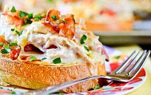 Горячие бутерброды с курицей запеченные в духовке