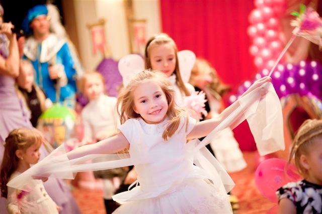 Как сделать веселым и незабываемым детский праздник