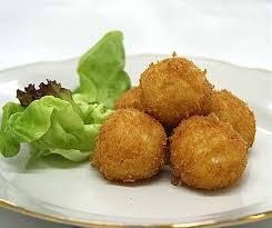 Картофельные крокеты.