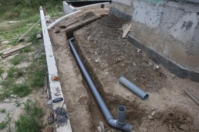 Утепляем канализационную и фановую трубу к яме
