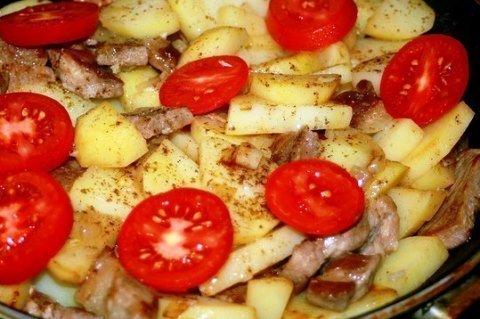 Картофель «по-французски» на сковороде.