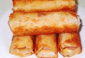 Сосиски в картофельно-сырной «шубке» и хрустящей корочке.