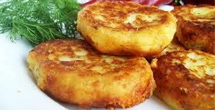 Оладьи из картофельного пюре.