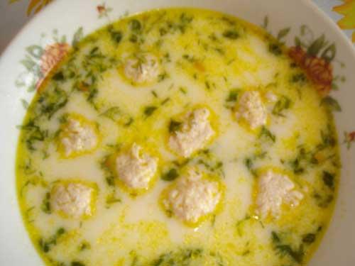 Сливочный суп с фрикадельками