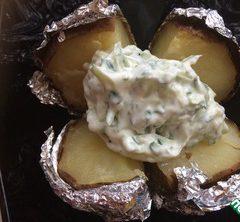 Запеченный картофель с соусом «Тар-Тар»