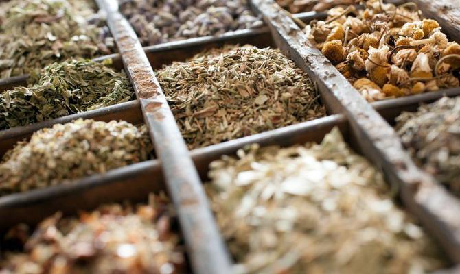 Подготовка к весне: тонизирующие травяные чаи