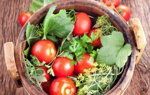 Соленые помидоры «Как из бочки»