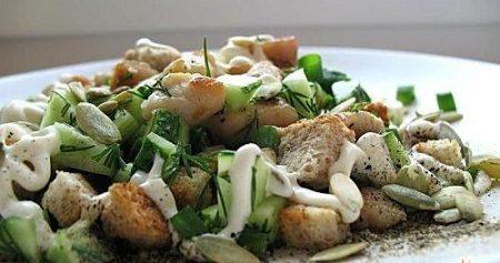 Салат-закуска из курицы со свежими огурцами