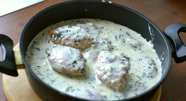 Куриные котлеты в укропном соусе