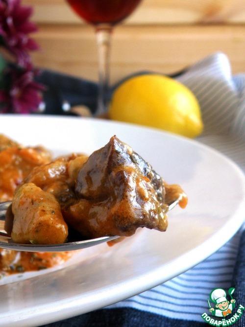 Баранина с клецками в ароматном соусе