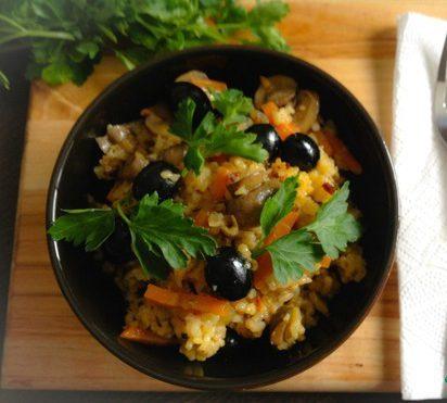 Рис грибами и маслинами