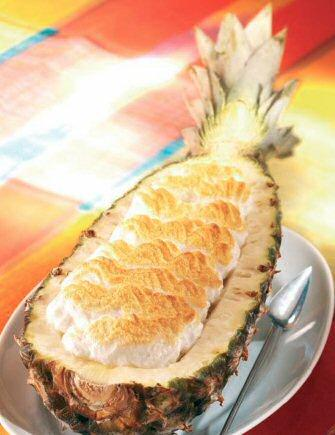 Фаршированный ананас с безе