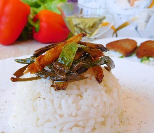 Рис с хрустящим зеленым луком
