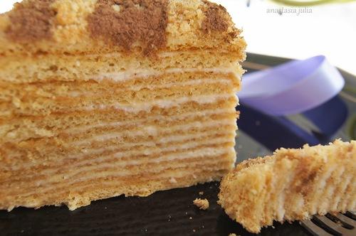 Медовый торт со сметанным кремом