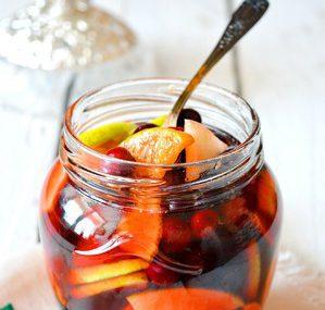 Консервированные фрукты в горшке «Зимний румтопф»