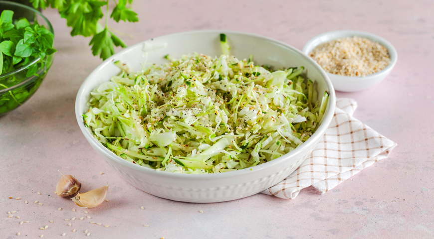 Салат капустный с огурцом рецепт с