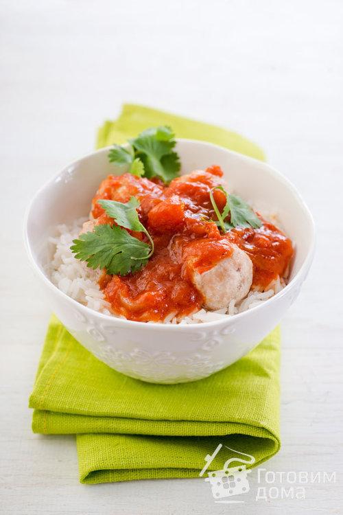 Куриные тефтели с кориандром и томатным соусом