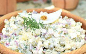 Луковый салат «Чиполлино и К»