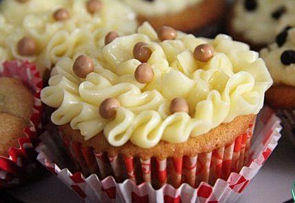 Капкейк с печеньем и шоколадными каплями