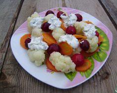 Салат с цветной капустой и вишней