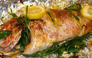 Рыба с фаршем из шампиньонов в фольге