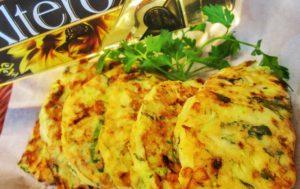 Оладьи из кабачков с зеленью и творожным сыром