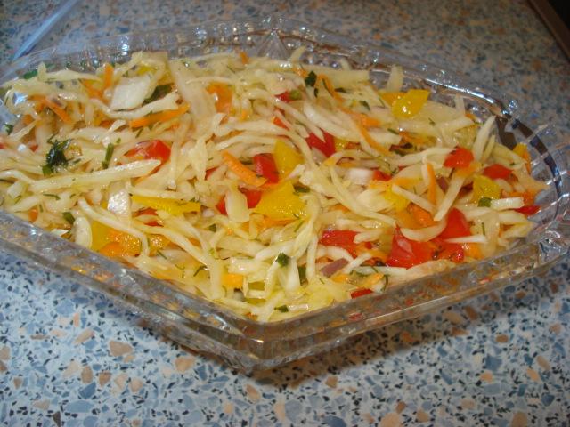 Салат с капустой «Пестренький»