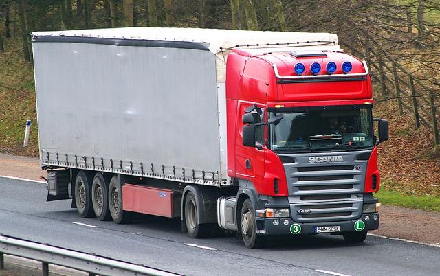 Транспортировка грузов при помощи авто — очевидные преимущества