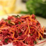 Салат из квашеной/кислой капусты и свеклы
