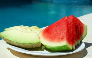 Десерт из арбуза и дыни «Холодок»