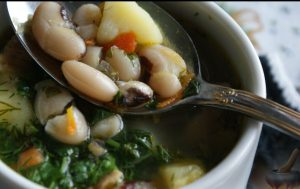 Суп с фасолью, на курином бульоне
