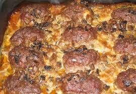Биточки с сыром и грибным соусом