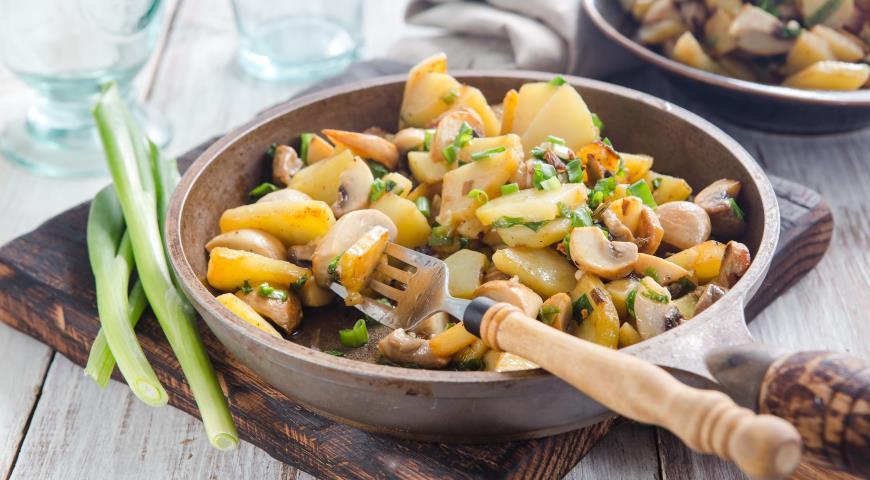 Рагу из шампиньонов с картофелем