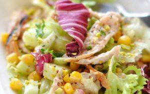 Салат из индейки (курицы) с яблоками и кукурузой
