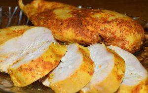 Куриное филе для закуски и салатов, томленое в молоке